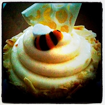 jilly's bee sting cupcake